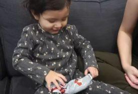 POTPUNI HIT Poklonili su kćerki NAJGORI BOŽIĆNI POKLON, njenu reakciju NISU OČEKIVALI (VIDEO)