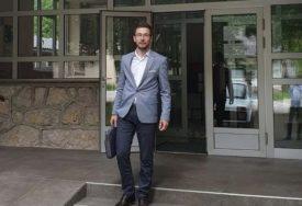UKLONIO TRANSPARENT SA LIKOM DODIKA I VUČIĆA Ivan Begić saslušan u policiji