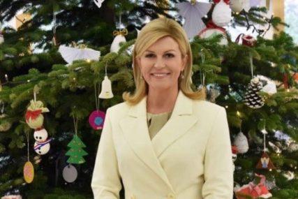 Kolinda čestitala Božić Hrvatima ISTOM FOTOGRAFIJOM kao i lani (FOTO)