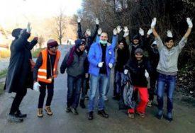 STANOVNIŠTVO POZITIVNO IZNENAĐENO Migranti u znak zahvalnosti očistili Hadžiće