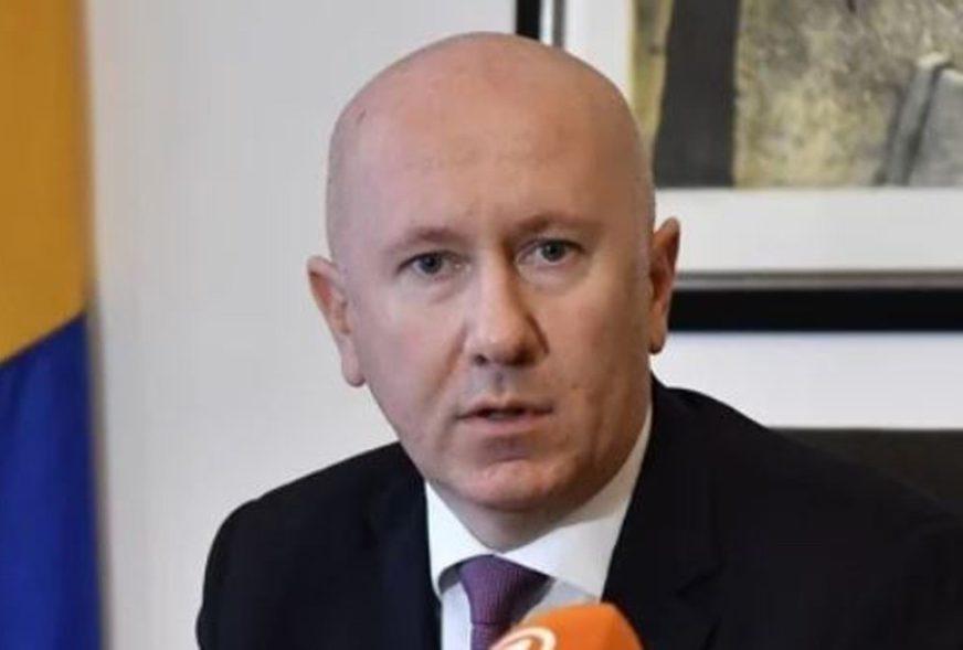 GUBITNIK DANA Milan Dunović