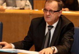 PRVA KRIZA NOVE VLASTI SDA traži skidanje tačke o imenovanju Božovića za ministra