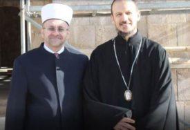 """""""TO JE I NAŠ HRAM!"""" Donacija mostarskog muftije za obnovu Saborne crkve Svete Trojice"""