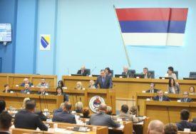 PARADA KIČA Posebne sjednice NSRS između cirkusa, stranačkih mitinga i POLITIČKIH OBRAČUNA