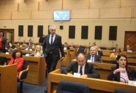 Šarović poručio Dodiku: Želim da čujete kako je kada vas optužuju za izdaju