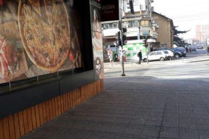"""""""IZBO MALOLJETNIKA, PA NASTAVIO DA JEDE"""" Mladić ispred pekare NASRNUO NA TINEJDŽERA (15)"""