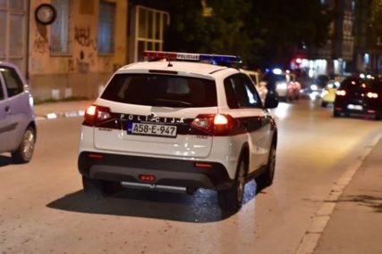 POLICAJCIMA PUNE RUKE POSLA Teška nesreća, samoranjavanje i požar u novogodišnjoj noći