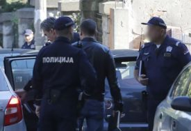 Kamion prevozio robu iz Srbije u Italiju: Migranti PRONAĐENI U HLADNJAČI