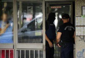 NESVAKIDAŠNJE Nasrnuo na suprugu jer ga je uhvatila u prevari, pa pozvao policiju DA JE PRIJAVI