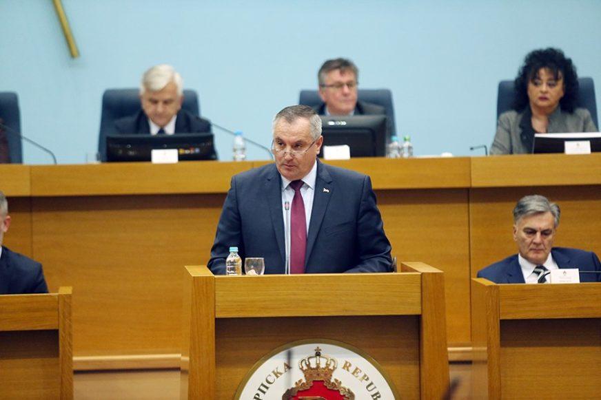 PRIJETIO RADOVANU VIŠKOVIĆU Trebinjac završio u zatvoru zbog slanja poruke uvredljivog sadržaja
