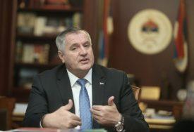 Višković: Uvesti nižu stopu PDV, a više oporezovati luksuz