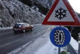 SNIJEG ZABIJELIO HERCEGOVINU Zimske službe od jutros na terenu