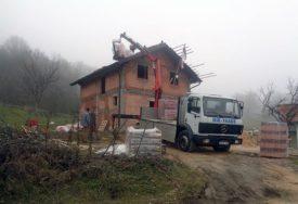 HUMANOST NA DJELU Poznati biznismen sagradio kuću za osmočlanu porodicu Škrbić