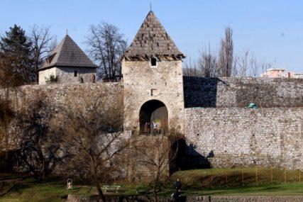 """DIO KOJI KRIJE TAJNE Istorija tvrđave Kastel kao inspiracija za seriju """"Hotel Balkan"""" (FOTO)"""