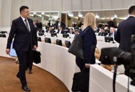 POČELA HITNA SJEDNICA Tegeltija u ekspozeu fokus stavio na ekonomiju, vladavinu prava i EU put