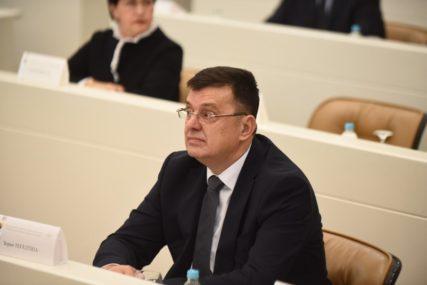 Tegeltija odgovorio Borenoviću: Savjet ministara se bavi problemima građana, a ne političkim temama