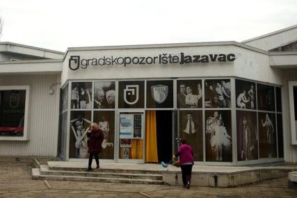 """Festival """"Čupava bajka"""": Najbolja predstava """"Put po svijetu na trotinetu"""" banjalučkog pozorišta """"Jazavac"""""""