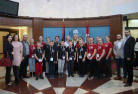 S LJUBAVLJU HRABRIM SRCIMA Učesnici humane akcije na prijemu kod predsjednice Srpske (FOTO)