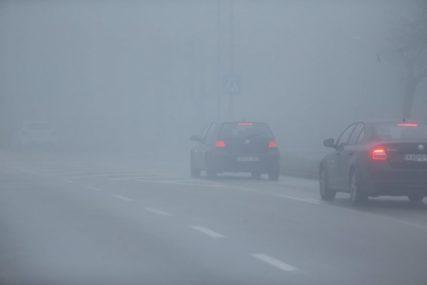 BUDITE OPREZNI ZA VOLANOM Magla smanjuje vidljivost na mnogim putnim pravcima u BiH