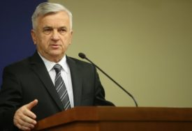 """ČUBRILOVIĆ SE OPROSTIO OD KOLJE MIĆEVIĆA """"Dostojanstveno predstavljao srpsku kulturu u Evropi"""""""