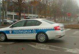 VRIJEĐALI POLICAJCE Dvije osobe uhapšene u Gradiški, jednom oduzeto vozilo