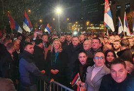 SKUP PODRŠKE VLASTI Saborci: Nećemo dozvoliti kaljanje ugleda Srpske i Lukača (VIDEO, FOTO)