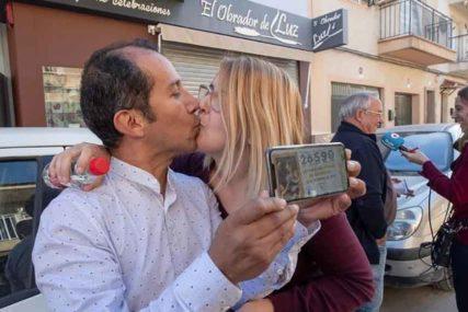 DOBITAK KOJI MIJENJA ŽIVOT IZ KORIJENA Srećni vlasnici OVOG TIKETA osvojili su 400.000 evra
