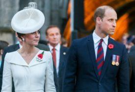 Dok se priča o ZAHLAĐIVANJU ODNOSA između nje i princa Vilijama, Kejt poslala snažnu poruku