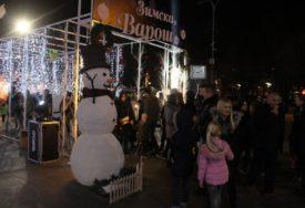 PRAZNIČNA ČAROLIJA U BANJALUCI Zimska varoš otvorila vrata (FOTO)