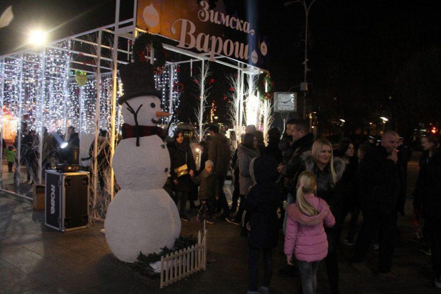 """Najmlađi Novu godinu dočekuju u """"Zimskoj varoši"""" uz pjesmu, predstavu i Djeda Mraza"""