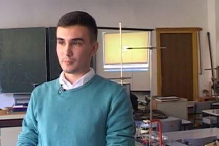 BOJAN (24) NAJBOLJI FIZIČAR SRPSKE Diplomirao sa prosjekom 9,96, OTKRIVA I DALJE PLANOVE