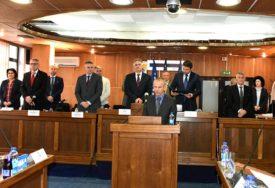 NOVI ŠEF ODJELJENJA ZA ZDRAVSTVO Akif Pezerović preuzeo dužnost i položio zakletvu
