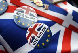 """""""ZBOGOM EU"""" Naslovi u britanskoj štampi pokazuju podijeljenost oko Bregzita"""