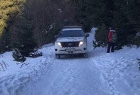 Na Plješevici SPASENO ŠEST MIGRANATA: Pronađeni zameteni u snijegu