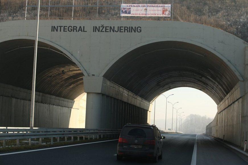 """NOVI IZAZOV ZA BEGIĆA Na mjestu transparenta """"Svjetlo na kraju tunela"""" OSVANUO DRUGI (FOTO)"""