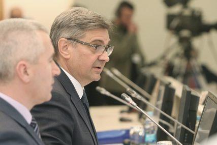 Zvizdić: Zakonski regulisati kažnjavanje zloupotrebe interneta