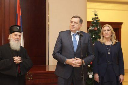 """OPREDIJELJENI ZA MIR I STABILNOST"" Dodik povodom obilježavanja Dana Republike Srpske"