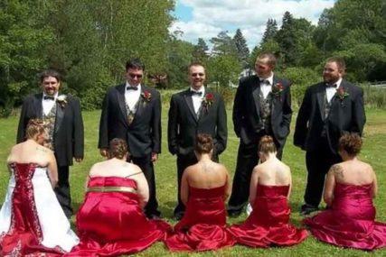 POPUT SCENE SE**UALNOG ČINA Fotografija sa vjenčanja RAZLJUTILA INTERNET i to zbog poza djeveruša
