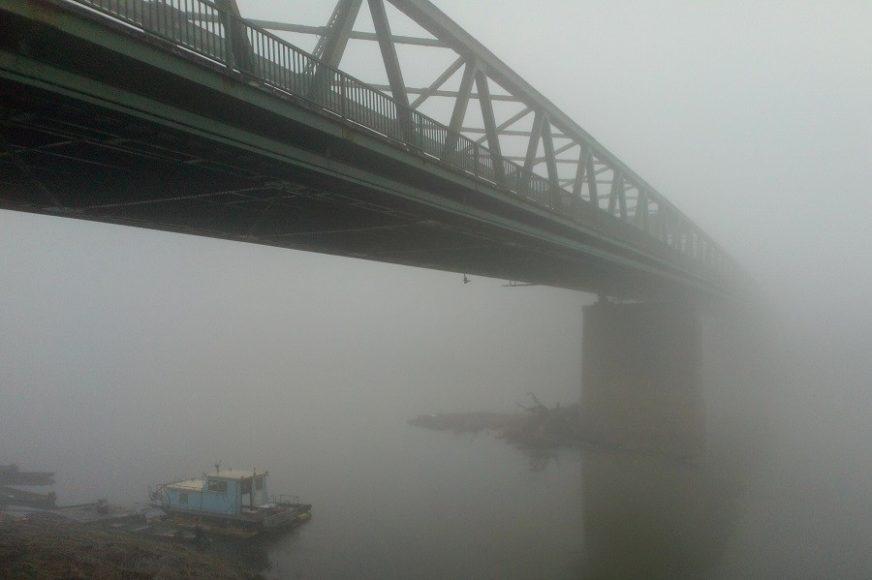 ČAROLIJA PRIRODE U GRADIŠKI Savski most u magli (FOTO)