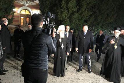 """""""ZA SRPSKI NAROD NAJVAŽNIJE JEDINSTVO I VJERA U BOGA"""" Patrijarh Irinej stigao u Banjaluku"""