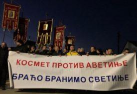 Smatraju to provokacijom: Kosovska policija privela trojicu Srba zbog bilborda u Gračanici