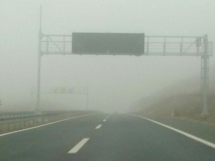 VOZAČI, BUDITE NA OPREZU! Magla smanjuje vidljivost duž riječnih tokova