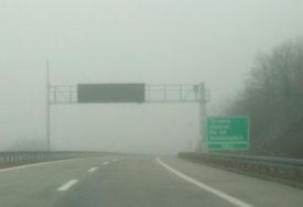 VOZAČI, BUDITE OPREZNI Magla smanjuje vidljivost uz rijeke