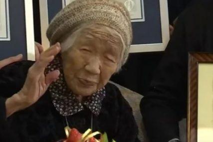 NJENA RADOST ZBOG TORTE ĆE VAS ODUŠEVITI Najstarija osoba na svijetu proslavila rođendan (VIDEO)