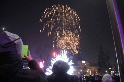 NOVAC OTIŠAO U RUKE BOLESNE DJECE Gradovi se odrekli proslave Nove godine iz NAJHUMANIJEG CILJA