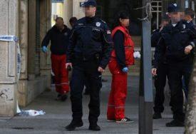 TRAGEDIJA Mladić pao sa zgrade u Novom Sadu, ranije viđen kako bez majice šeta po krovu