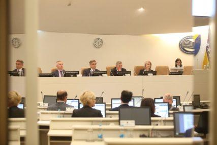 DUPLA IGRA Ima li SDA u Sarajevu dva partnerska bloka iz Srpske