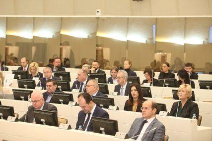 Protiv je bilo 17 poslanika: Nisu podržali smjenu ministra Grubeše