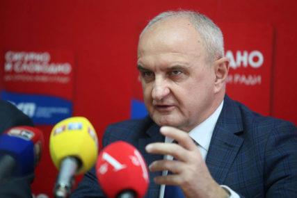 PUNA PODRŠKA PREDSJEDNIKU Regionalni odbor Socijalističke partije Bijeljina STAO UZ PETRA ĐOKIĆA
