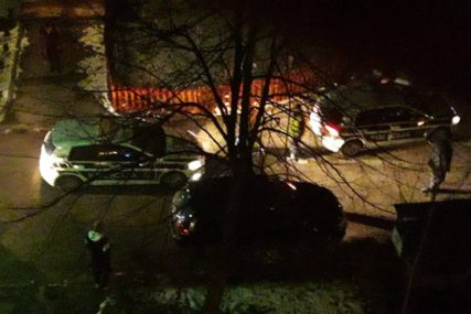 BUKTINJA U SARAJEVU Automobil u plamenu, vatrogasci na terenu